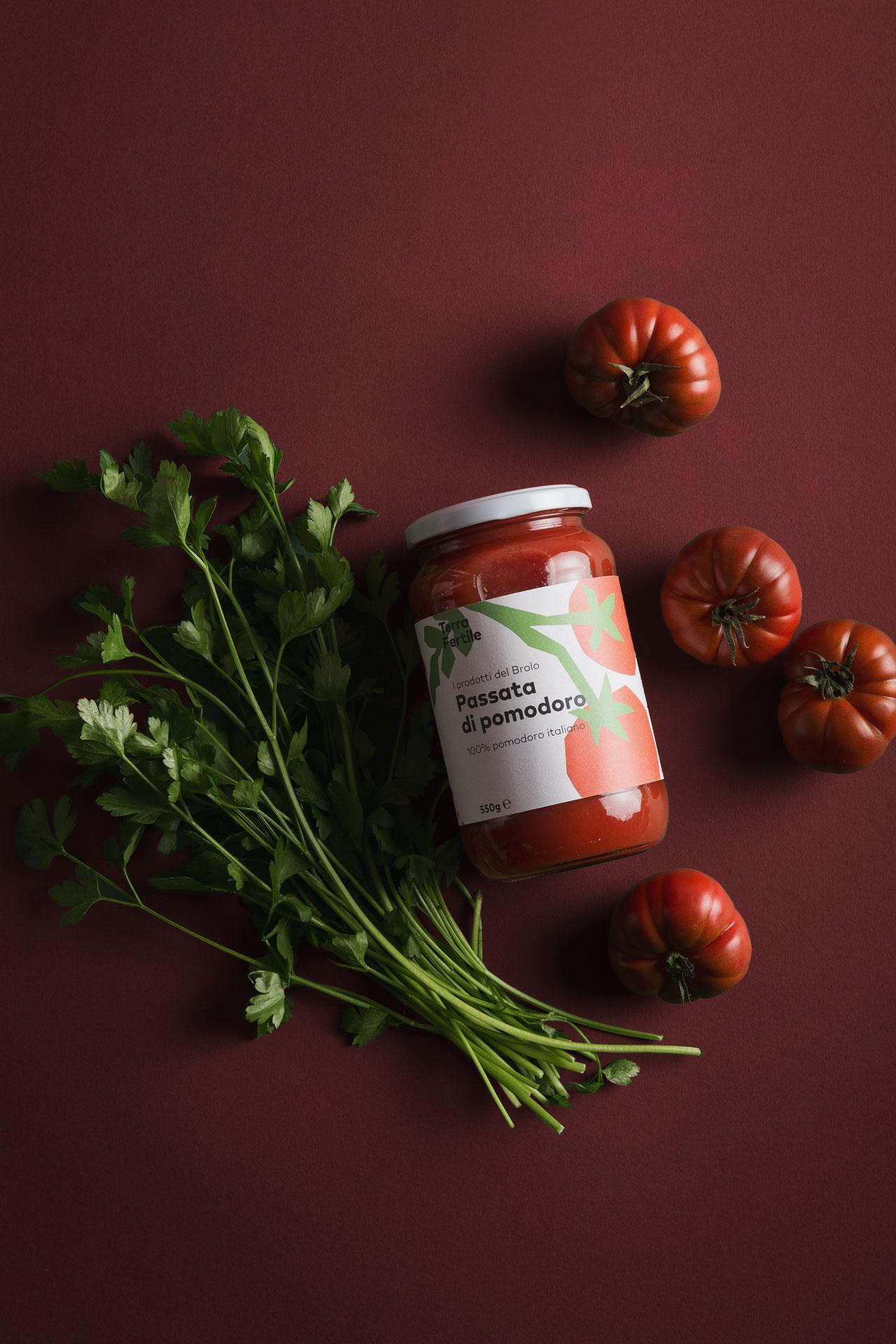 studio_ottone_terra_fertile_pomodori